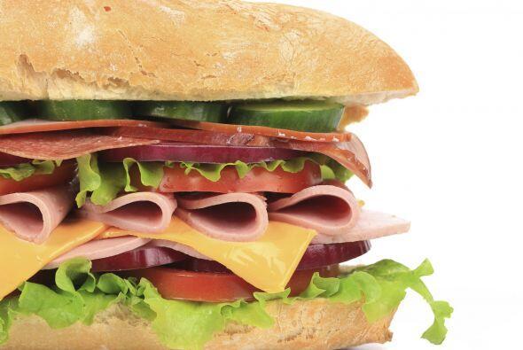 No prepares sus sándwiches la noche anterior. Aunque un sá...