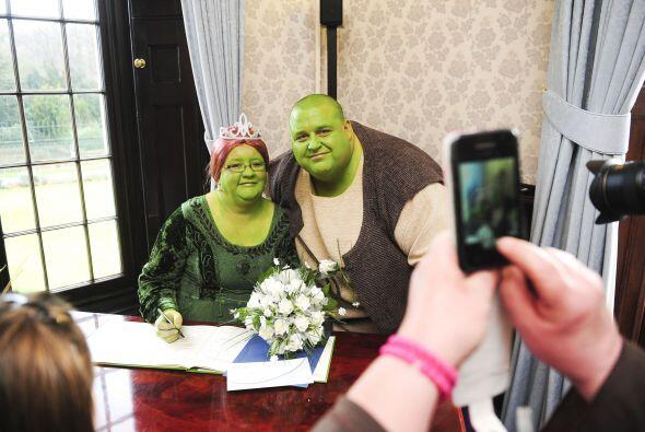 Mira las fotos de la divertida boda de 'Shrek y la princesa Fiona', una...