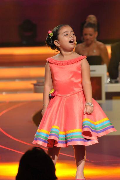 Karlita dio a conocer su potente voz con esta difícil canci&oacut...