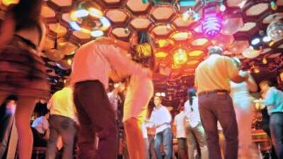 Calma el estrés, da buena energía y alivia enfermedades: la danza es una...