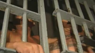 Dilema en California por huelga de hambre en prisión