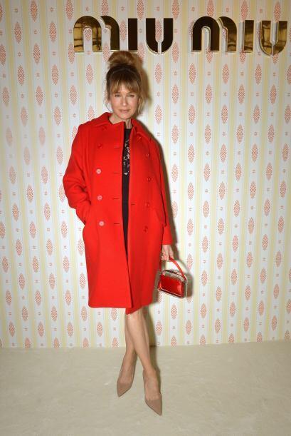 Renée Zellwegger presenció la colección de Miu Miu...