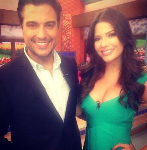 """""""También nos acompaña @JaimeCamil en la casa mas feliz de la televisión..."""
