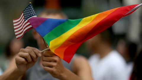 Celebran el orgullo gay por noveno año consecutivo con un desfile en Oce...