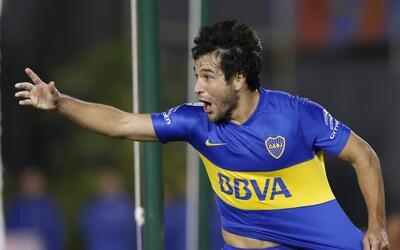 Nicolás Lodeiro, de Boca Juniors de Argentina, celebra luego de a...