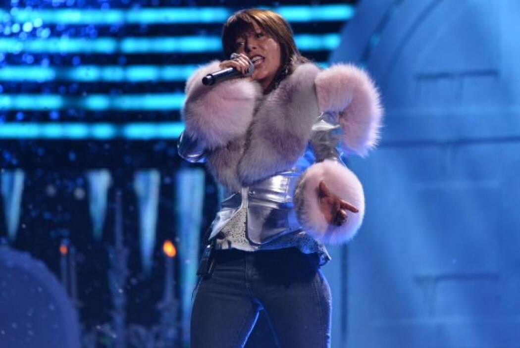 La Guzmán llegó con todo su rock a los ensayos.