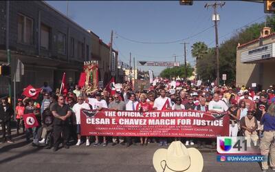 Inmigrantes alzan la voz y toman las calles de San Antonio