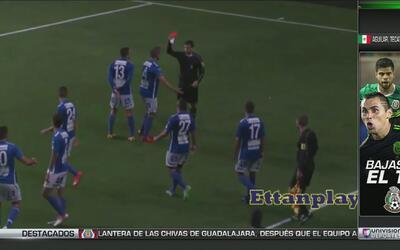 Se fue a la grada a aplaudirse por sus goles y lo expulsaron
