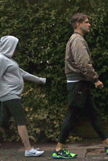 Scarlett y Romain parecen la pareja perfecta.Mira aquí los videos más ch...