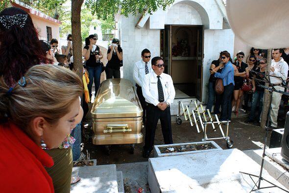 Su entierro luego de que cayera abatido por fuerzas castrenses el pasado...