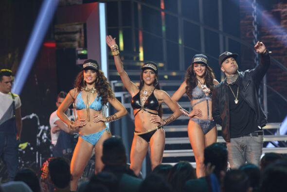 El desfile en bikinis se puso extremadamente 'hot' gracias al rico 'regg...