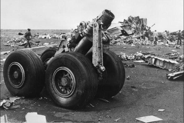 Los dos Boeing 747 chocaron en la pista matando a casi todos los que iba...
