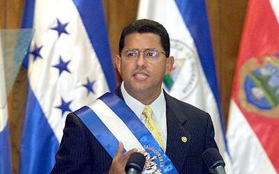 El expresidente salvadoreño Francisco Flores está envuelto en un escándalo