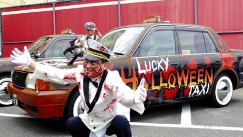 Los autos de Lucky Taxi y sus choferes se preparan con todos los detalle...