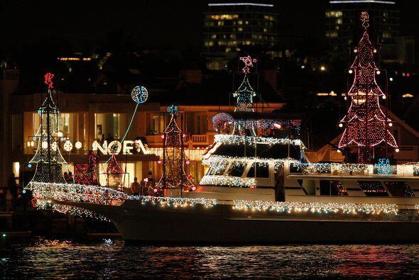Los que no tienen bote pueden igual hacer parte del desfile en uno de lo...