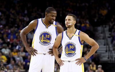 La nueva dupla de oro de la NBA, Kevin Durant y Stephen Curry.