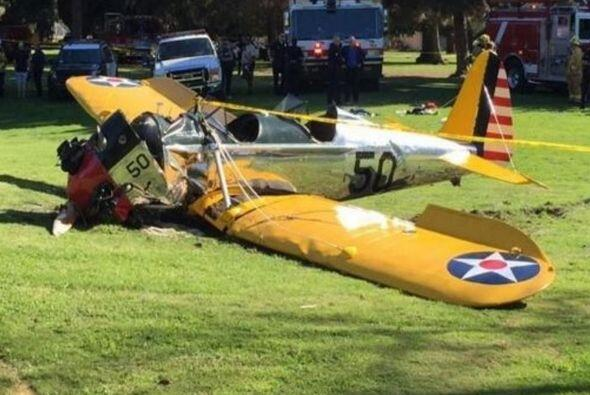 Harrison Ford resultó herido por accidente en avioneta.