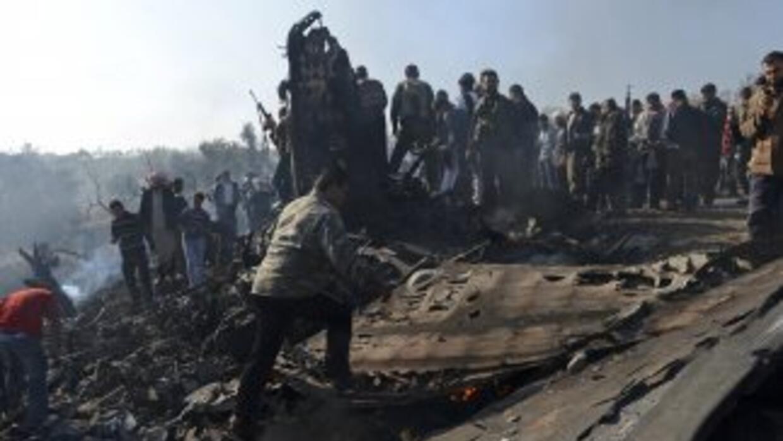 Se restableció la conexión a internet en Siria; los bombardeos siguen en...