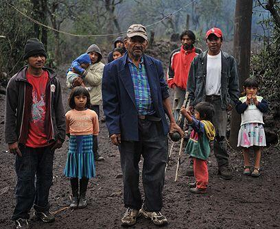 Pobreza extrema. Miles de campesinos que viven en las faldas del Pacaya,...