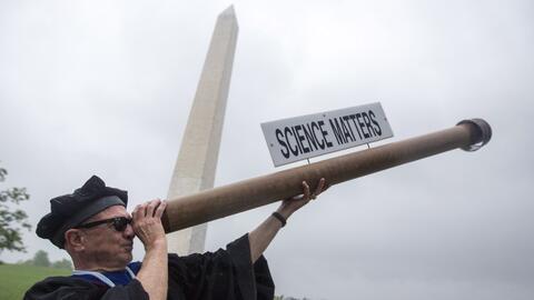 Por qué científicos marchan en Washington y cientos de ciudades del mundo