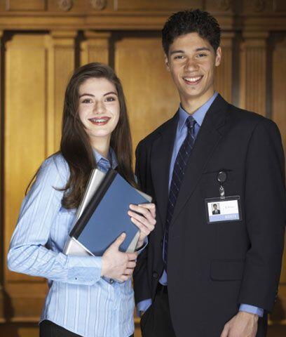 Junior Achievement Existen organizaciones para ayudar a los padres en es...