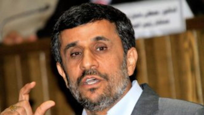 El presidente iraní, Mahmud Ahmadinejad, acusó a EU e Israel de pretende...