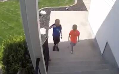 La ejemplar lección de estos niños al encontrarse dinero en la calle