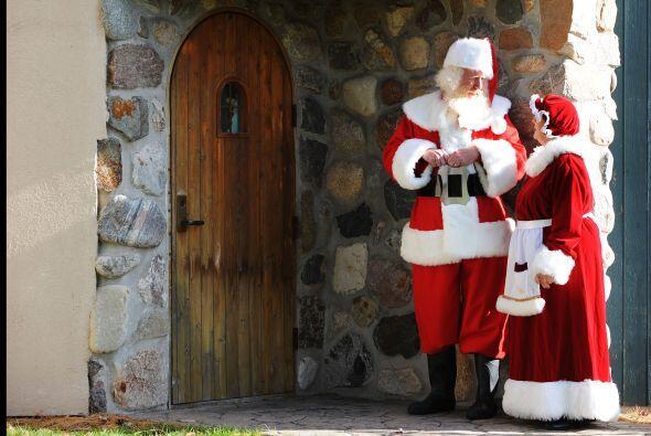 Cliff Snider estaba entre los más de 100 Santas y Señoras Claus que part...