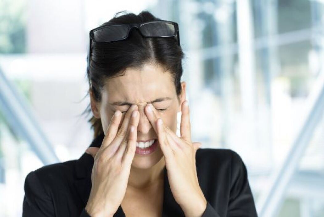 Al mirar el iris los iridólogos afirman descubrir síntomas y problemas d...