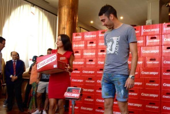 Toda la plantilla de Sevilla pasó por su respectivo premio.