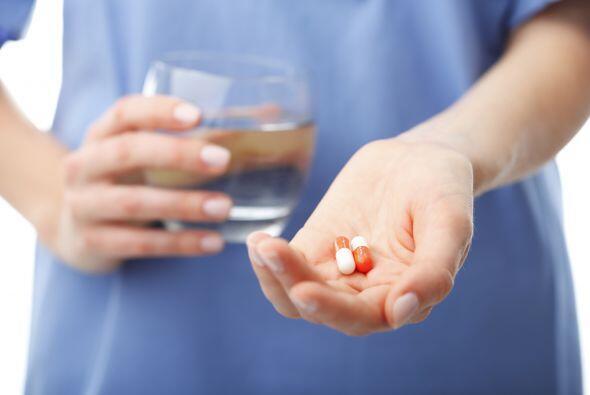 Por su parte, las enfermedades bacterianas pueden tratarse con antibióti...