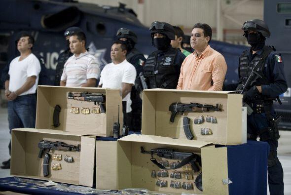Manuel Fernández fue detenido junto a otros siete hombres en Culiacán (n...