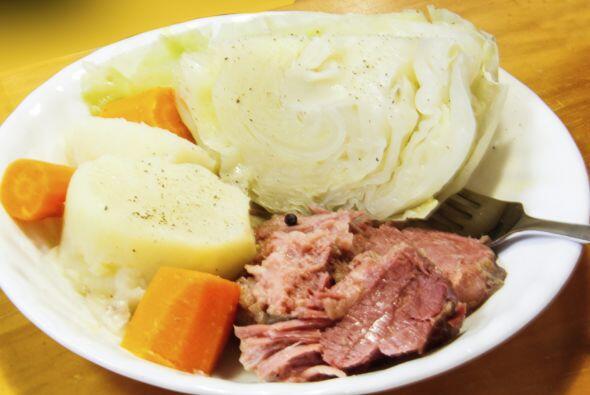 Sazona a gusto pero recuerda que la carne fue curada con sal y te sorpre...