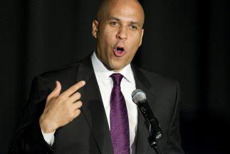 Booker, de 44 años y quien anunció su candidatura al Senado por el Parti...