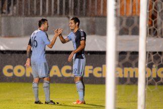Sporting Kansas City le ganó 2 - 0 al Olimpia de Honduras en la tercera...