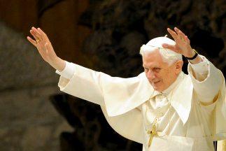 Lo del Papa Benedicto es 'único', según Jorge Ramos.