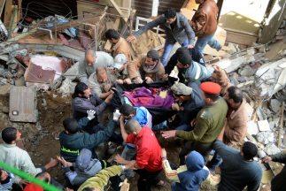Al menos 22 personas murieron hoy y 11 resultaron heridas por el derrumb...