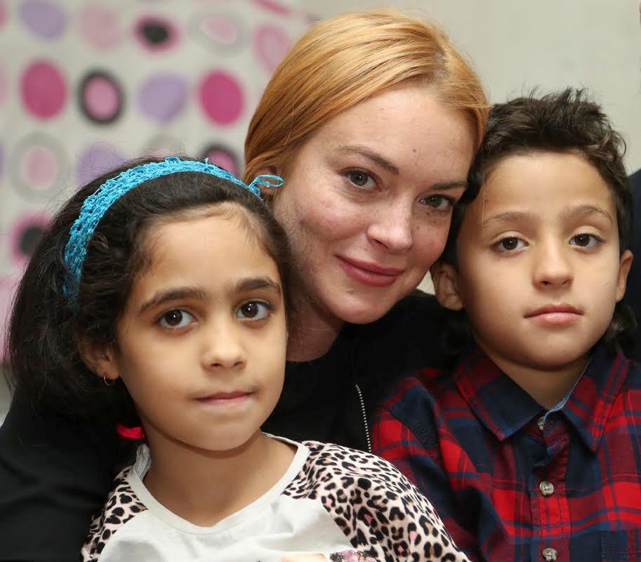 Amar A Muerte Capitulo 6: Lindsay Lohan Visita A Refugiados Sirios En Turquía