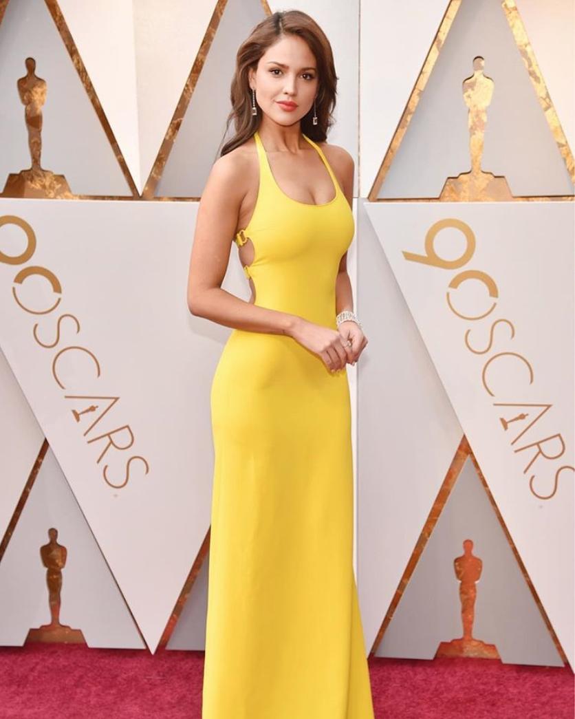 Los memes del vestido amarillo que Eiza González vistió para los premios Oscar