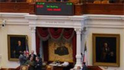 Congresistas texanos piden a Rick Perry que acepte estímulo económico 26...