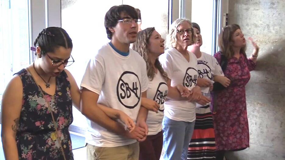 La ley SB4 ha generado múltiples protestas en Texas.