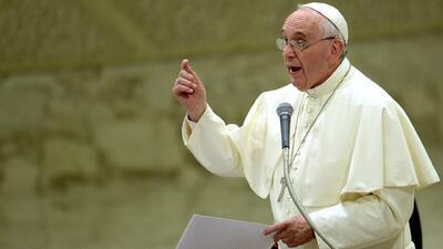 Papa Francisco dará refugio a migrantes sirios