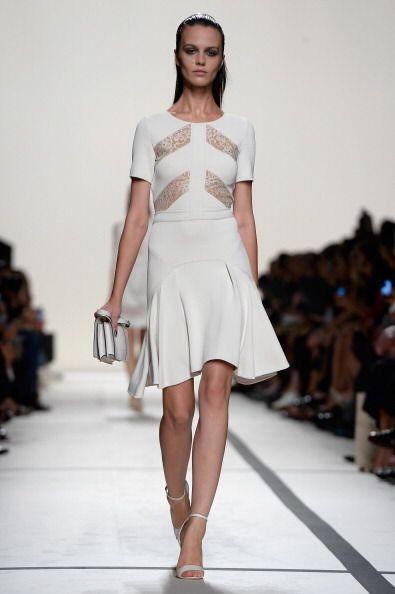 Esta nueva moda en transparencias no solo entrará con líneas horizontale...