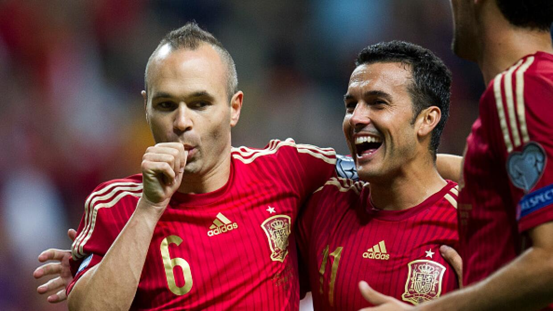 Iniesta celebra su gol de penalti