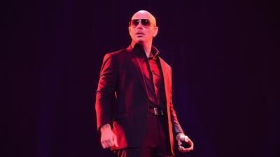Pitbull ofrece su jet privado a pacientes con cáncer en Puerto Rico