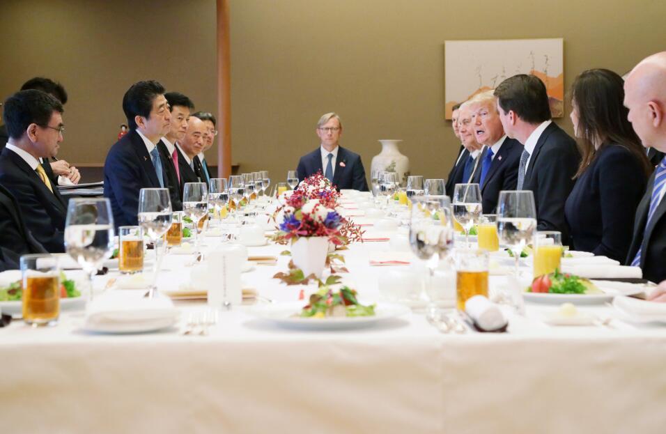 Donalkd Trump gira por Asía