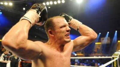 Juergen Braehmer retuvo título semicompleto ante Robin Krasniqi