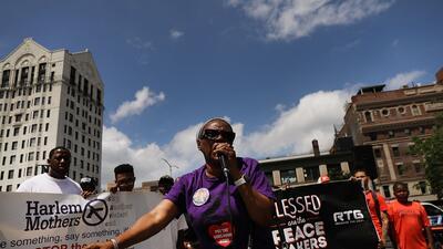 Protestan en Harlem contra la violencia y muertes por armas de fuego