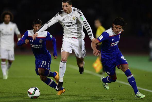 Con el gol a su favor el Real Madrid comenzaría a ejercer dominio...