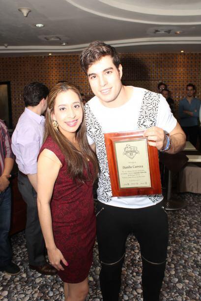 Danilo Carrera recibió un reconocimiento como Jugador Estrella. Cortesía...